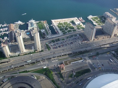 CNtower-HarbourArea-1.JPG
