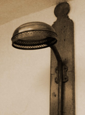 Colborne-Lodge-Shower-1.jpg